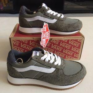 NWT Vans Grey Suede & Canvas Shoes